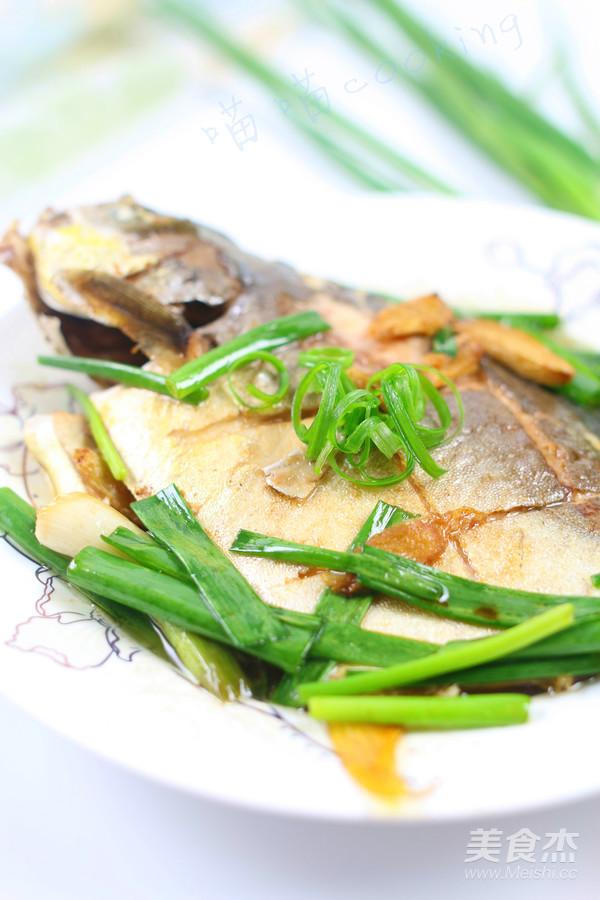 香煎金鲳鱼的步骤