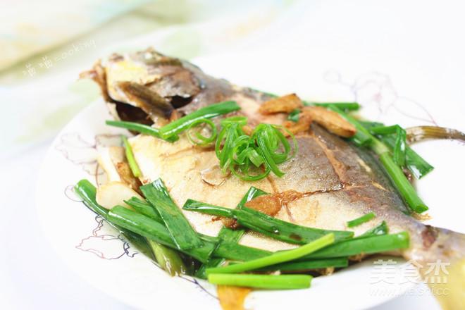 香煎金鲳鱼成品图