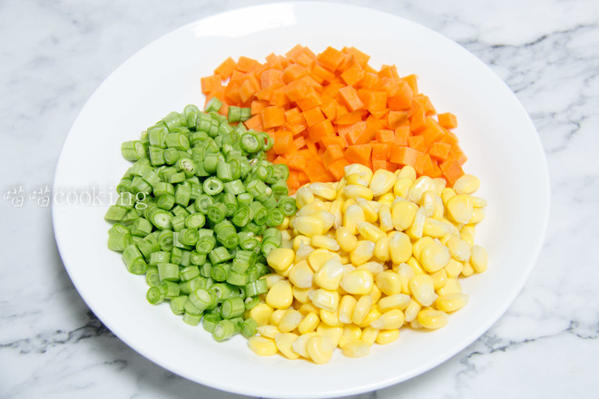 玉米豆角肉末炒饭的做法图解