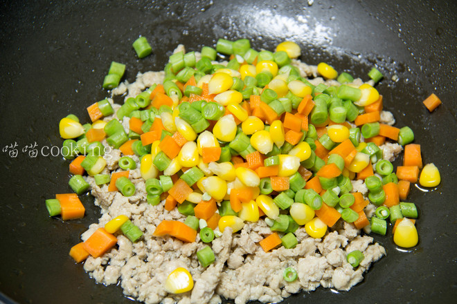玉米豆角肉末炒饭怎么做