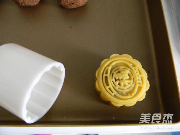 广式豆沙肉松馅月饼怎样炖