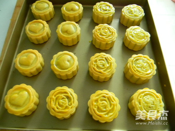 广式豆沙肉松馅月饼的制作大全
