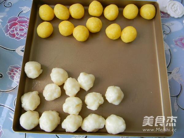 椰香奶黄馅冰皮月饼的制作大全