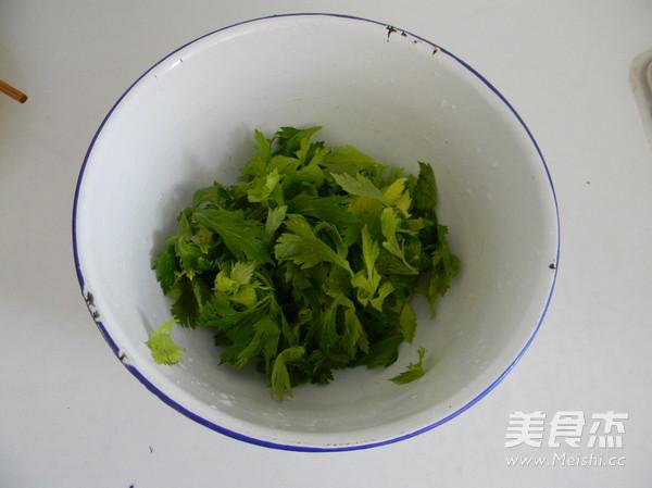 蒜香蒸芹菜叶的做法图解