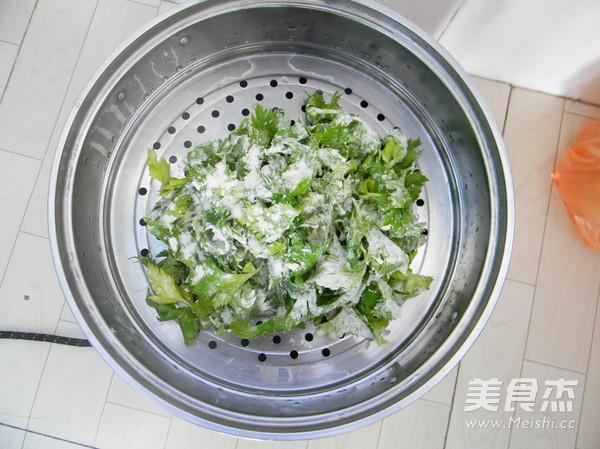 蒜香蒸芹菜叶的简单做法