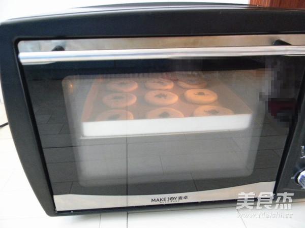 黑芝麻糖椰蓉酥饼的制作