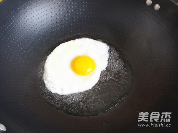 辣白菜蛋炒饭的做法图解