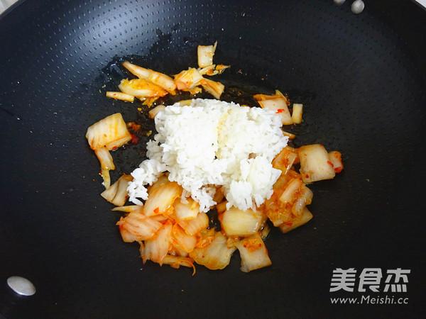 辣白菜蛋炒饭怎么炒