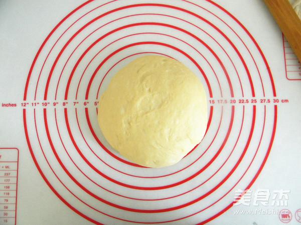 奶香花朵面包的简单做法