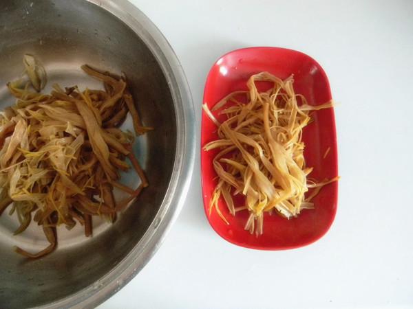 白菜拌黄花菜的简单做法
