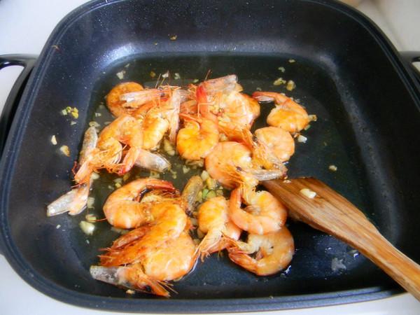 蒜香基围虾怎么吃