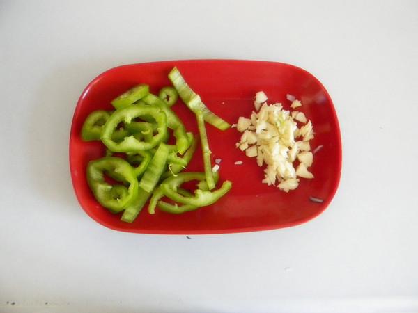 蔬菜鸡蛋焖饭的简单做法