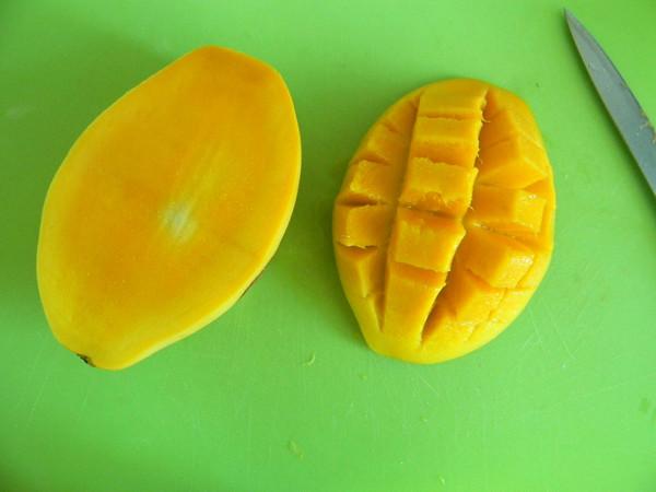 芒果酸奶奶昔的简单做法
