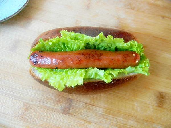 杂面牛肉热狗面包怎样做