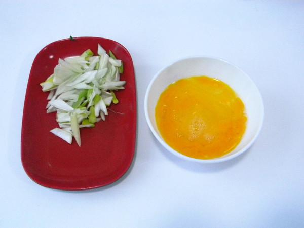黄花菜炒蛋的家常做法