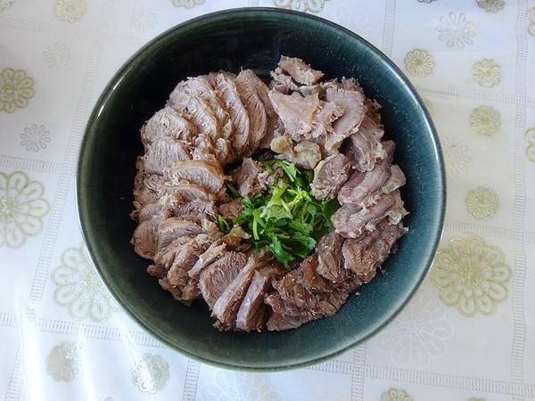 拌牛肉的家常做法