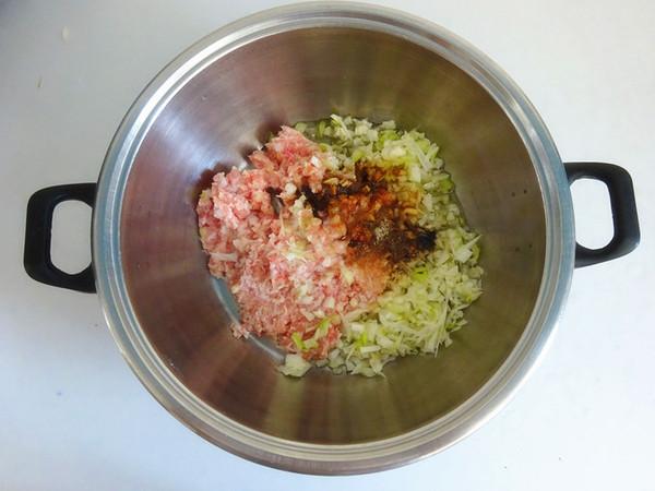 猪肉茴香馅饺子的做法图解