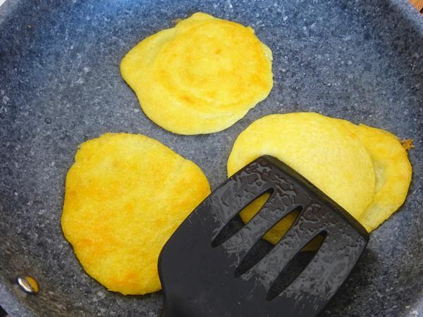 黄米面黏饼子怎么吃