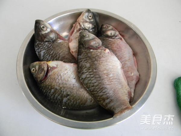 葱烤鲫鱼的做法大全