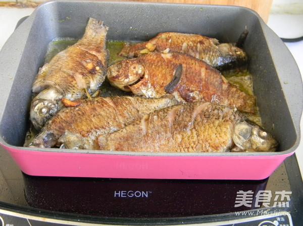葱烤鲫鱼怎么做