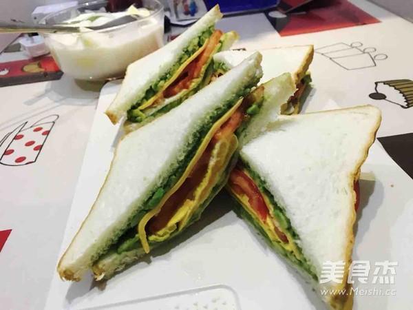 牛油果吞拿鱼三明治的简单做法