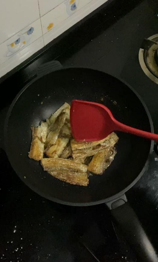 带鱼这样做,酥脆的连鱼骨头都可以吃的做法图解
