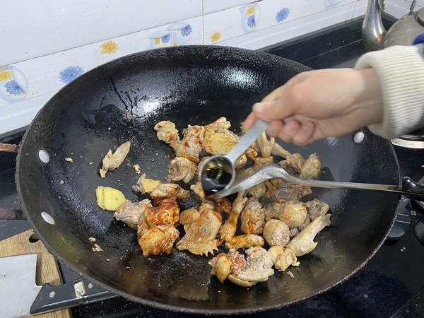 双茹烧三黄鸡的家常做法