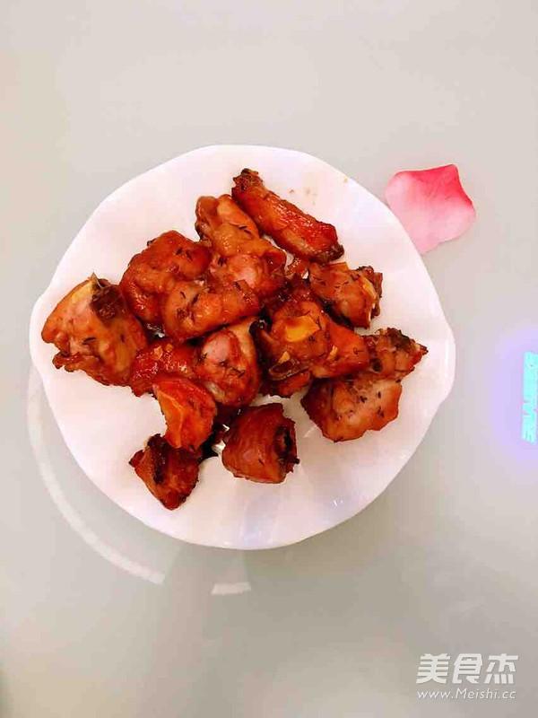 百里香烤鸡成品图