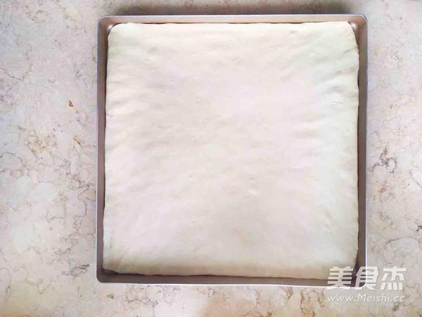 葱香肉松面包卷的家常做法