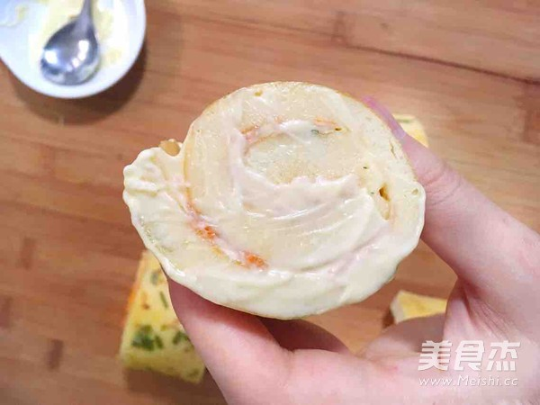 葱香肉松面包卷怎么煮
