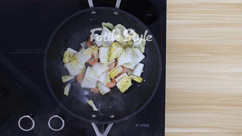 鲜虾炒白菜怎么做