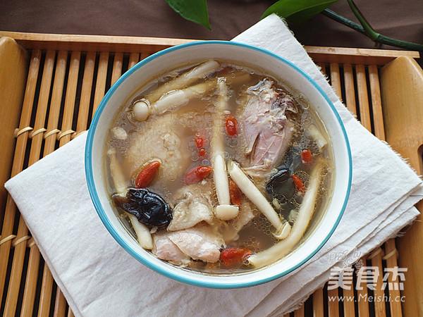 苏泊尔.海鲜菇鸡汤成品图