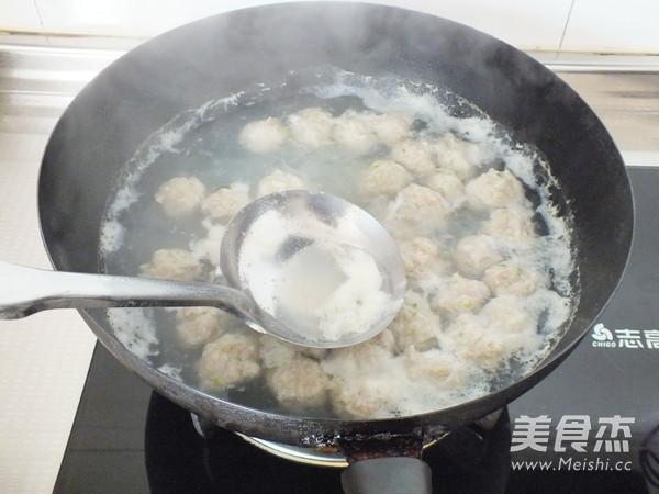 海鲜菇肉丸汤怎么炒