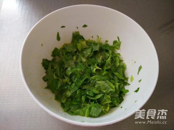 芹菜叶炒鸡蛋的简单做法