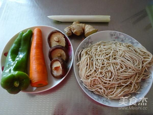 香菇胡萝卜炒面的做法大全