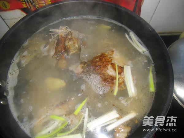鲤鱼汤怎么炒