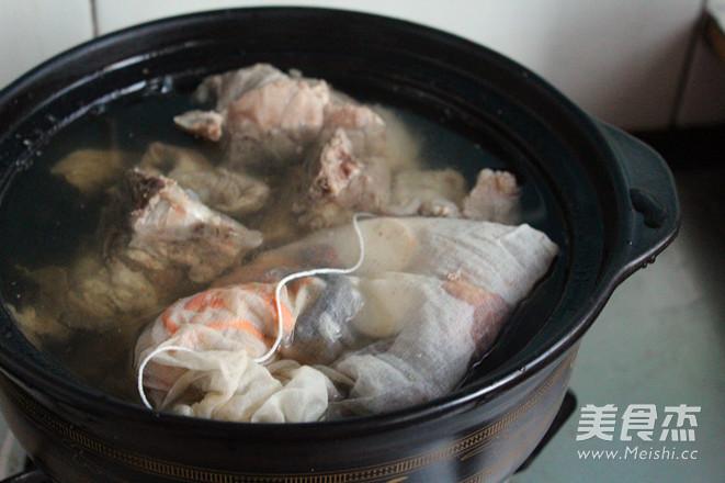 铁杆山药大骨养肾护肝汤怎么煮
