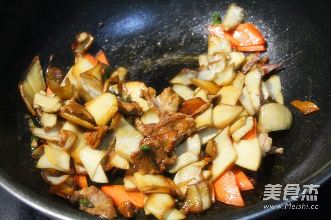 杏鲍菇炒肉怎么炒
