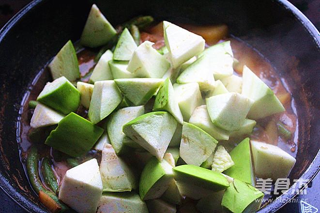 红烧肉炖杂蔬菜怎么煮
