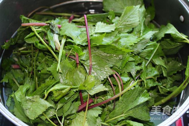 野菜飘香——大叶芹馅冰花水煎包怎么吃