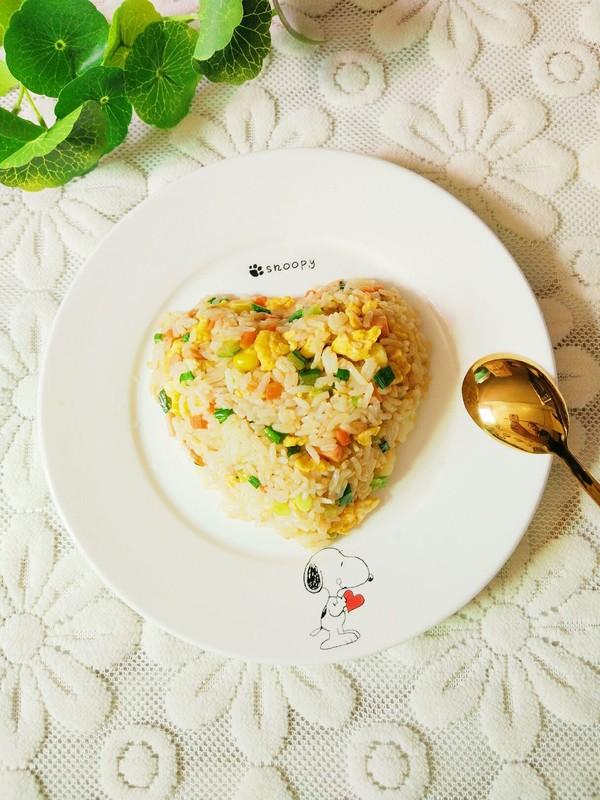 砂锅扬州炒饭成品图