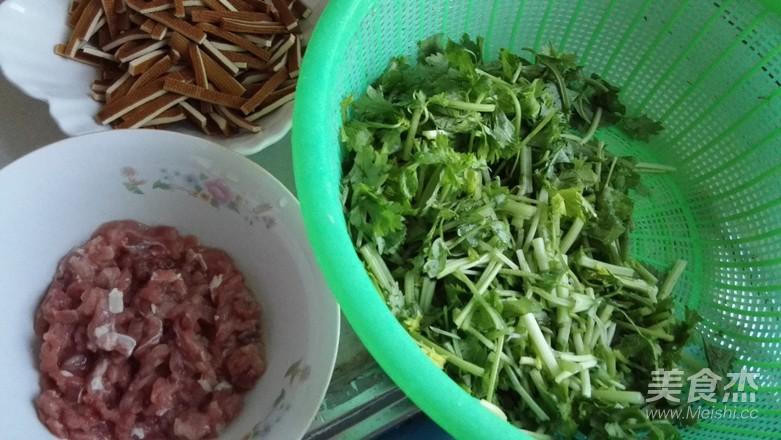 芹菜香干炒肉丝的做法大全