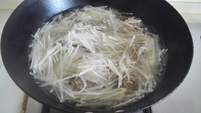 肉丸虾滑萝卜丝菠菜汤怎样煸