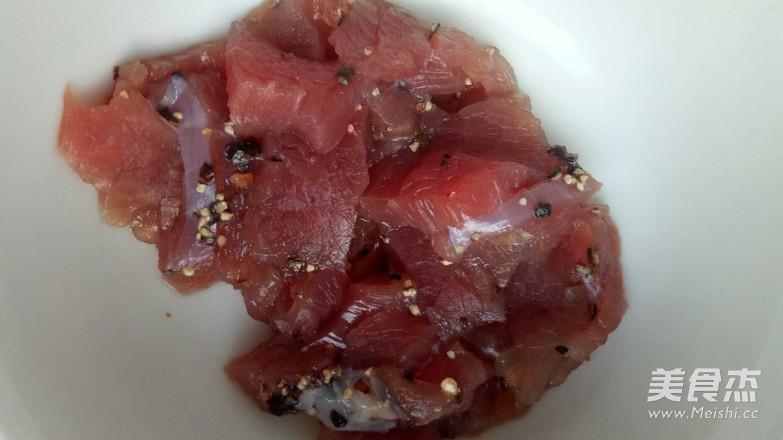 鲜虾牛肉双拼披萨的做法图解