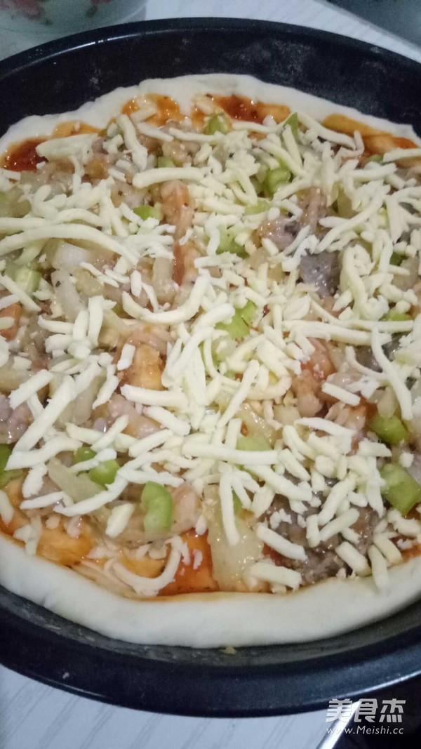 鲜虾牛肉双拼披萨的做法大全