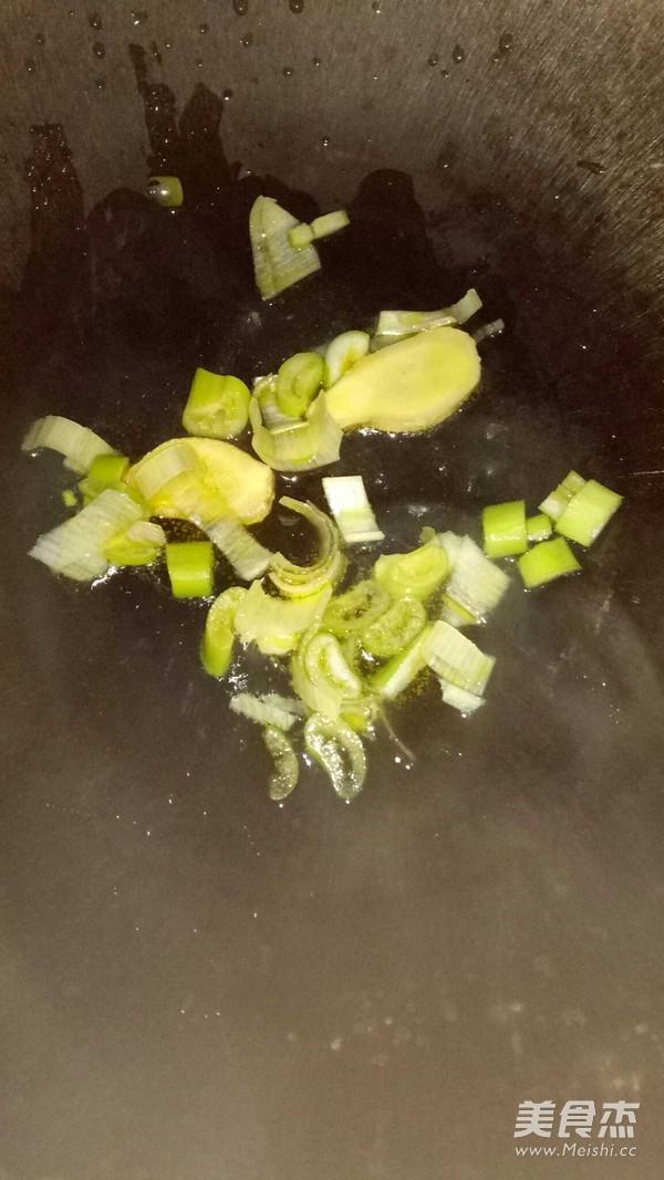 小白菜炖冻豆腐的简单做法