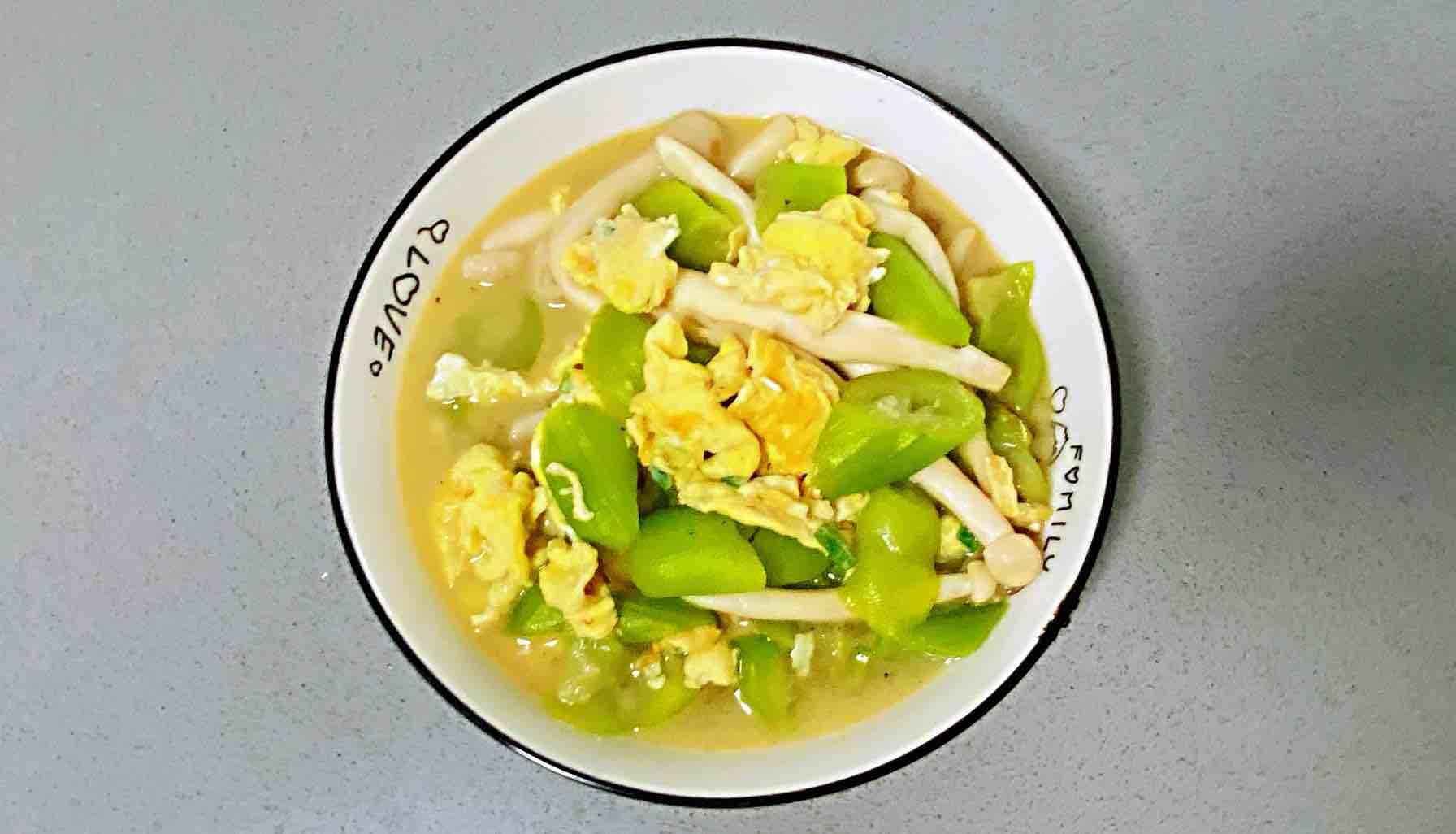 鸡蛋白玉菇焖丝瓜,清淡又鲜香,简单却营养~怎么煸
