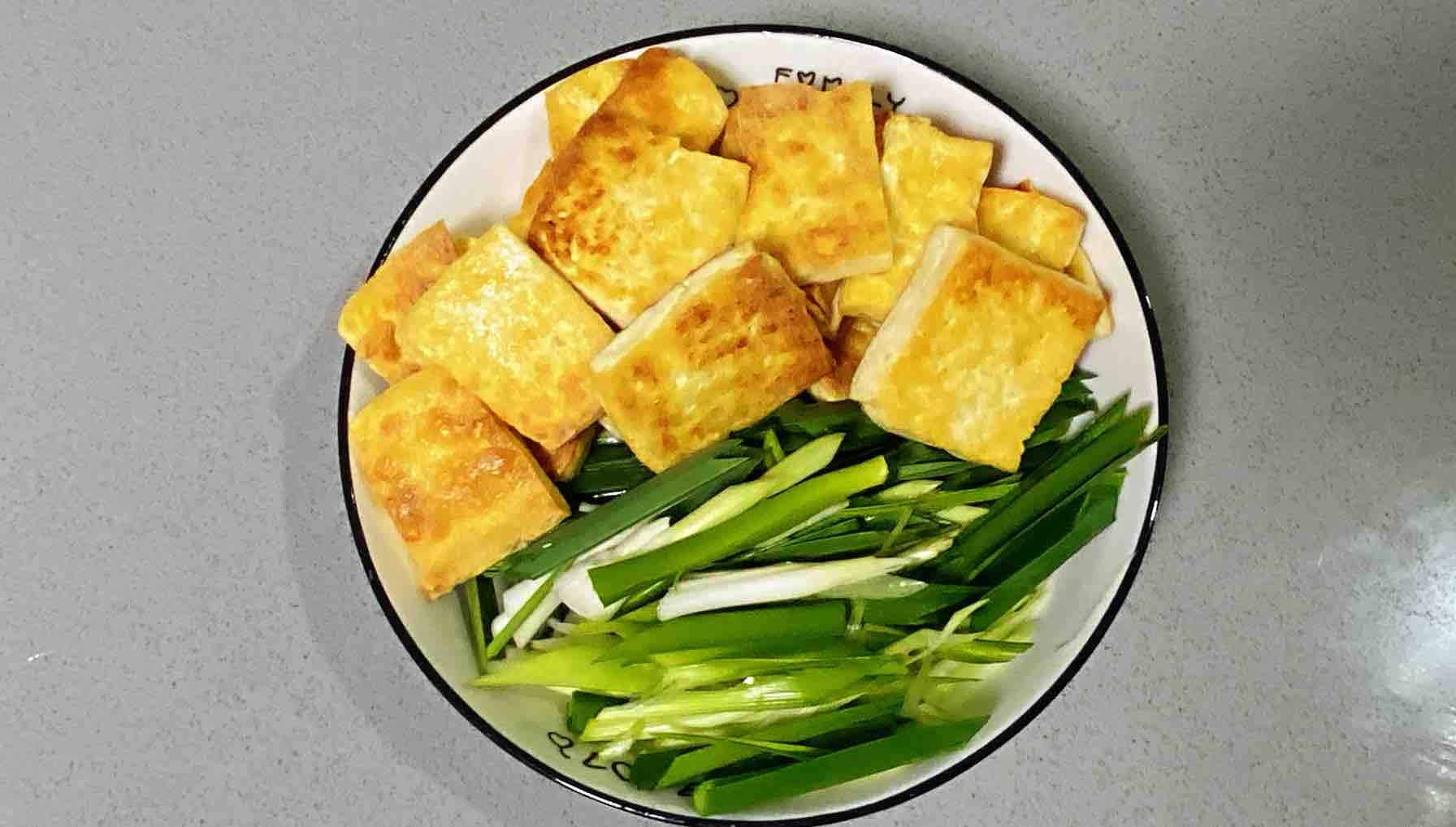 【孕妇食谱】鲍汁豆腐烧青蒜,鲜味浓郁,超级下饭~的简单做法
