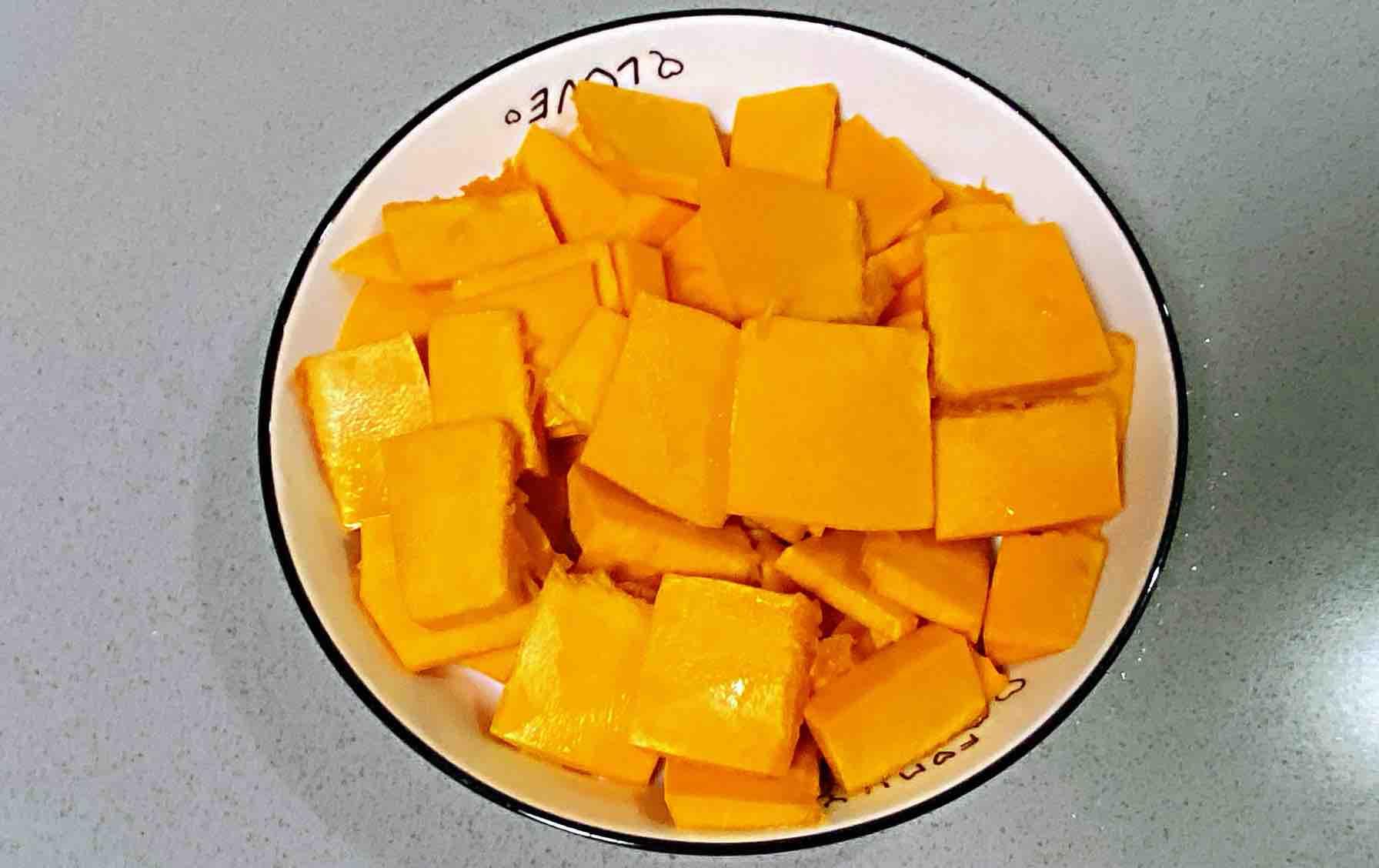 【孕妇食谱】奶油南瓜汤,口感细腻丝滑,奶香浓郁~的步骤