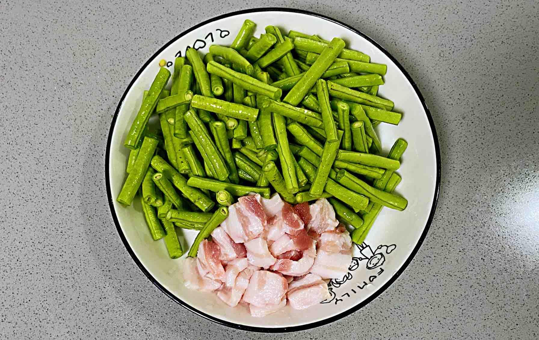【孕妇食谱】五花肉豆角焖面,味道香而不腻,过瘾又饱腹~的步骤